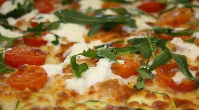 pizza pomodorini rucola crescenza