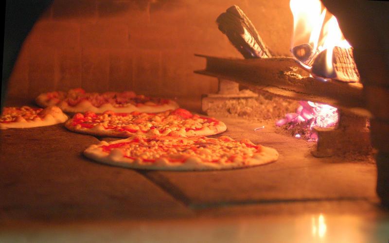 Come usare correttamente il forno silvio cicchi - Forno per pizza domestico ...