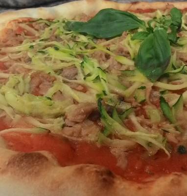 Pizza con Tonno e Zucchine