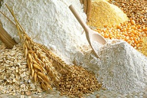 Foto di diversi tipi di farina per indicare quale farina usare per pizza dolci e pasta preparati in casa