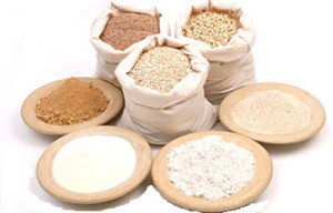 Pictures of different types of flour farina.Quale use for the pizza?