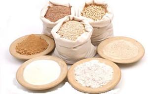 Foto di differenti tipi di farina.Quale farina usare per la pizza?