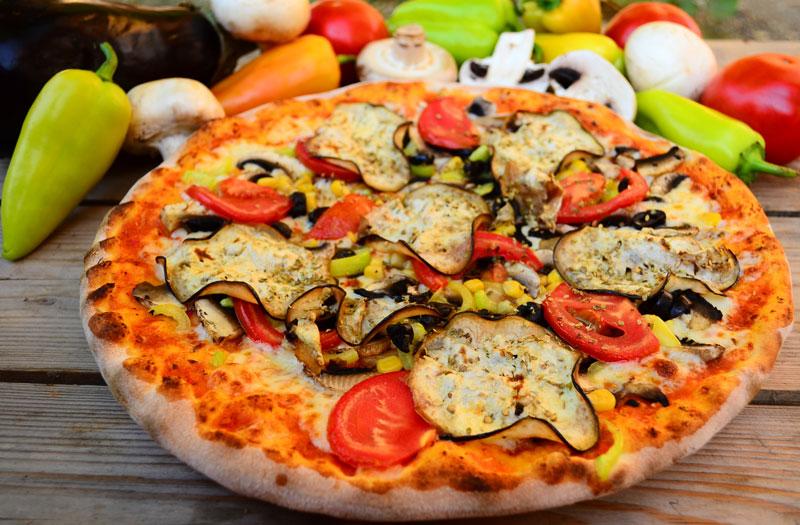 La pizza vegetariana ricetta e ingredienti silvio cicchi - Una vegetariana in cucina ...