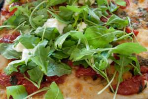 pizza arugula cherry tomatoes crescenza