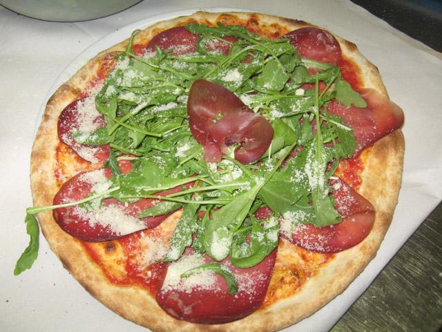 Assez Pizza Bresaola Rucola Grana Ricetta - Silvio Cicchi OZ03