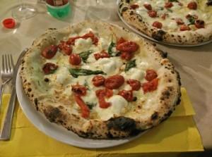 pizza pancetta e pomodori secchi
