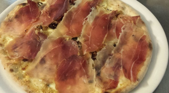 Pizza Speck e Gorgonzola
