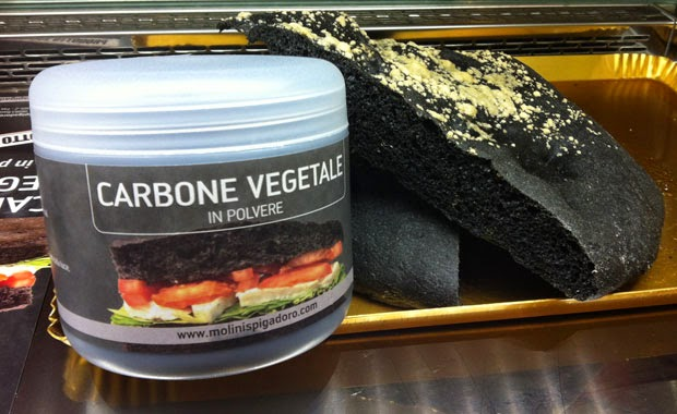 Impasto pizza nero al carbone vegetale silvio cicchi - Il carbone vegetale fa andare in bagno ...