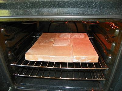 Pizza in casa cotta su pietra refrattaria silvio cicchi - Pietra refrattaria da forno per pizza ...