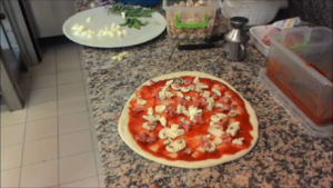 Ricetta Pizza Funghi e Salsiccia