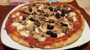 Pizza Tonno e Olive