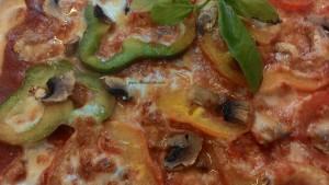 Pizza de pimientos y champiñones Receta