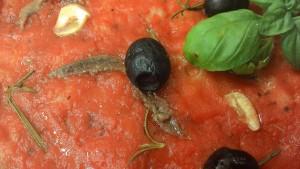 Pizza con Alici e Olive Nere