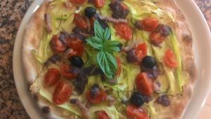 Focaccia con Zucchine Pomodorini Radicchio e Pancetta