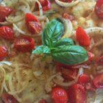 Focaccia Con Pomodorini e Cipolla
