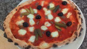 Pizza Pomodoro Mozzarella Alici Cetriolini Olive Nere