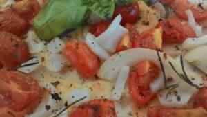 Focaccia Piccante con Pomodorini e Cipolla