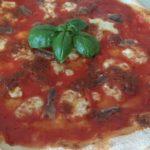 Pizza con Alici e Pesto di Pomodori Secchi e Pistacchi