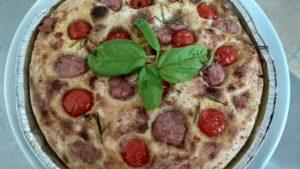 Focaccia Impasto di Patate con Pomodorini e Salsiccia