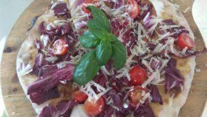 Focaccia Con Radicchio Pomodorini e Parmigiano