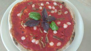 Pizza con Alici Melanzane e Cipolline in Agrodolce