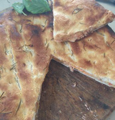 Pizza Parigina Con Ricotta Pomodoro e Funghi Trifolati