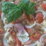 Focaccia ai Cereali con Pomodorini Guanciale e Cipolla di Tropea