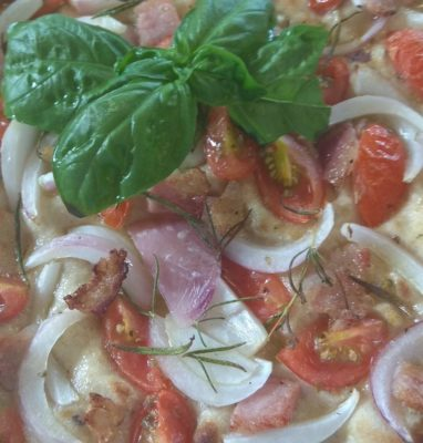 Cereals Focaccia with tomatoes and onion from Tropea Pillow