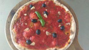 Pizza Marinara Piccante Con Olive Nere