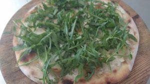 Pizza With Mozzarella Gorgonzola Pears and Rocket