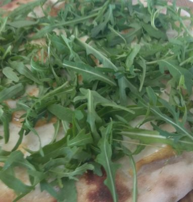 Pizza With Mozzarella Gorgonzola Pears and Rocket
